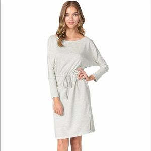 Cupcakes and Cashmere Senna Boatneck Dress Size: M